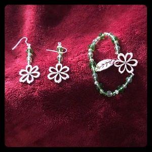 Beaded Bracelet / earrings set - handmade